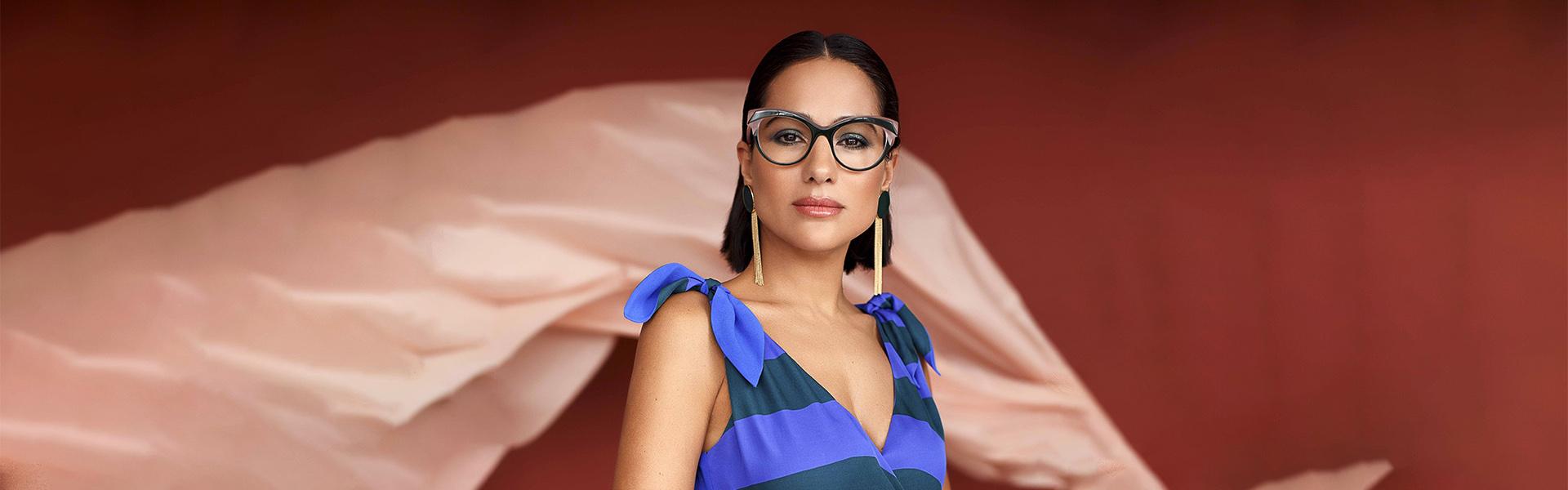 Caroline Abram, une collection de lunettes aux formes papillons et aux couleurs acidulées