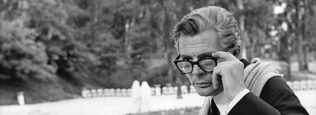 marcello mastroianni et ses lunettes dans le film Huit et Demi