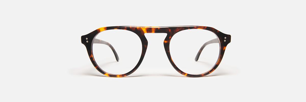 On trouve aussi des spécialistes des lunettes en ecailles à la maison Bonnet