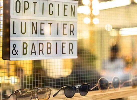 La shaperie, des lunettes et des barbes