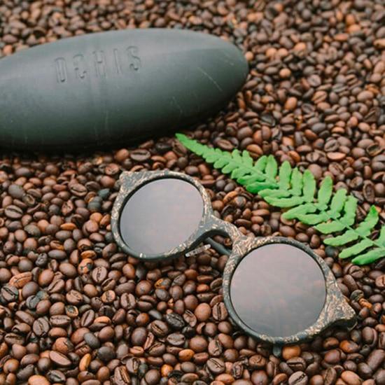 lunettes solaires fabriquées en marc de café
