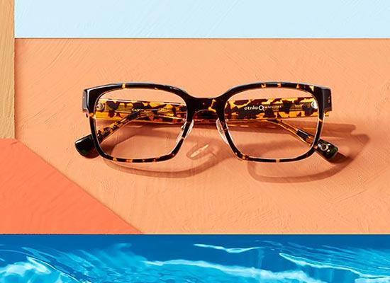 lunettes et arts : david hockney et lunettes etnia barcelona  carre