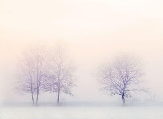 Lunettes et protection solaire à la neige