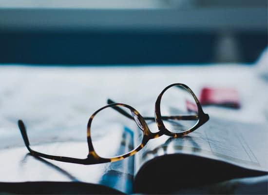 signification des lunettes dans les reves : lunettes cassées