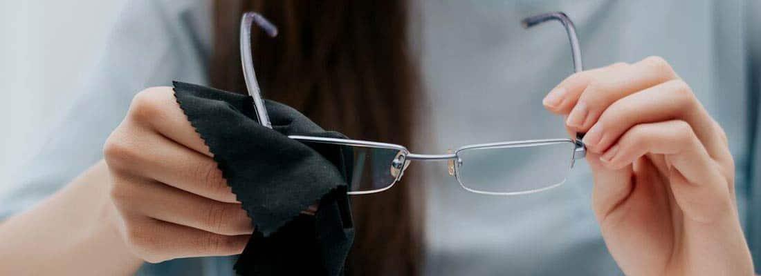 tendances-prendre-soin-de-vos-lunettes-banniere-04