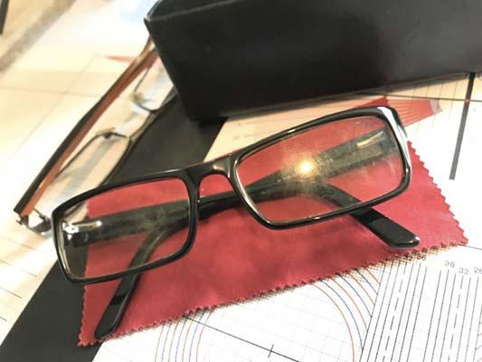 L'Oeil de l'Odon zoom lunette vintage Opticiens ecologiques EYESEEmag