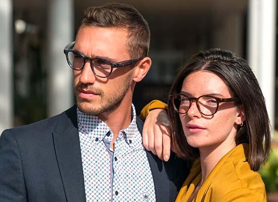 serenity-Ellcie-Healthy-lunettes-sante-pour-seniors-jeune-couple-portant-des-lunettes-serenity-ellcie-healthy